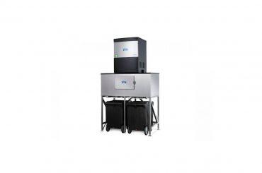 Howe ice machine with storage bins